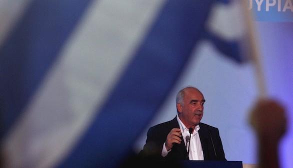 Los griegos ya confían más en el líder conservador que en Tsipras