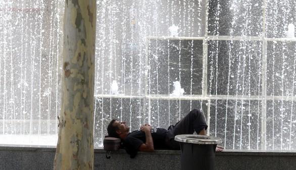 El intenso calor mantiene a 37 provincias en alerta, cuatro de ellas en riesgo extremo