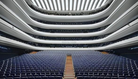 David Leventi, el fotógrafo que pasó 8 años retratando teatros de ópera vacíos