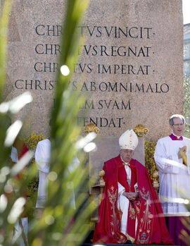 El Papa durante la celebración del Domingo de Ramos en la Plaza de San Pedro. Efe