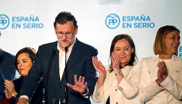 Pese al batacazo, Rajoy presume: