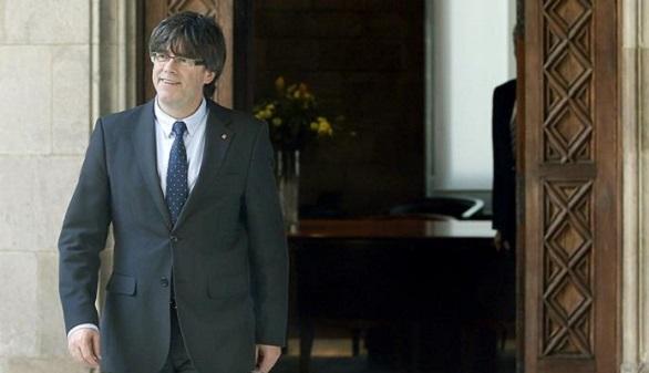 Puigdemont aumenta su Gobierno y crea una consejería de Exteriores