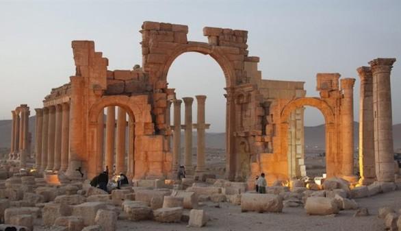 EI destruye con explosivos varios santuarios de la ciudad monumental de Palmira