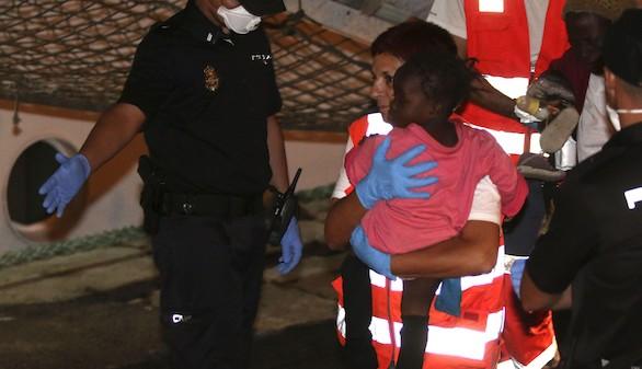 Rescatados 50 inmigrantes frente a la costa de Almería