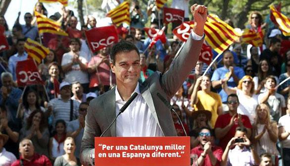 Sánchez insta a Rajoy a buscar una solución dialogada para Cataluña