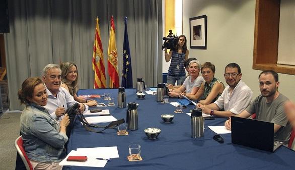 PSOE y Podemos acuerdan la investidura de Lambán en Aragón