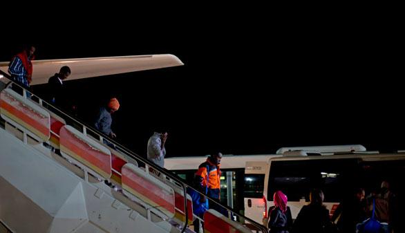 Llegan los primeros doce refugiados de la cuota española