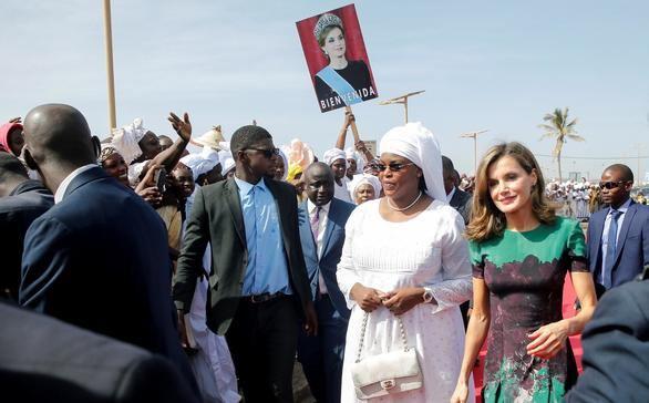 La Reina viaja a Senegal para apoyar la labor de la cooperación española