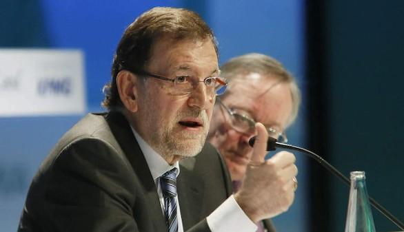 Rajoy asume errores, hará cambios y se ratifica como candidato