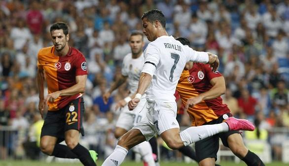 El Madrid de Benítez se estrena con victoria pero sin brillo ante su afición (2-1)