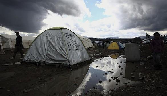 España se ofrece a acoger a 450 refugiados desde Grecia, Italia y Turquía