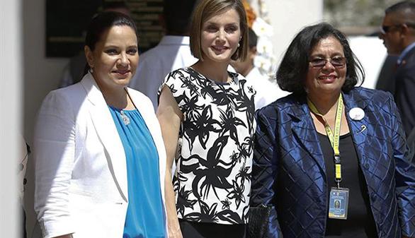 Doña Letizia, con las mujeres víctimas de violencia en Honduras