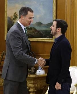 Garzón se presenta ante el Rey como mediador entre PSOE y Podemos