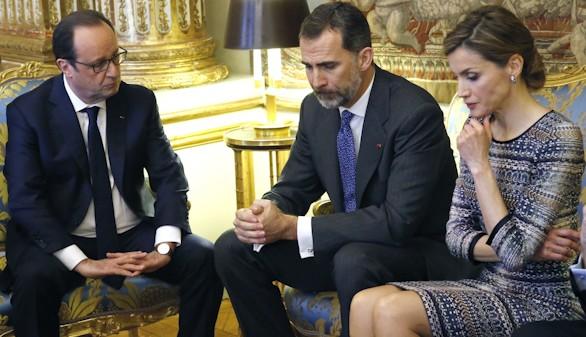 Los Reyes cancelan su visita de Estado a Francia por el accidente aéreo