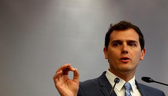 Rivera advierte a Rajoy que no se equivoque de enemigos