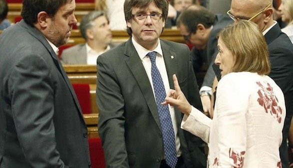 Cataluña se declara en rebeldía tras la decisión del Constitucional