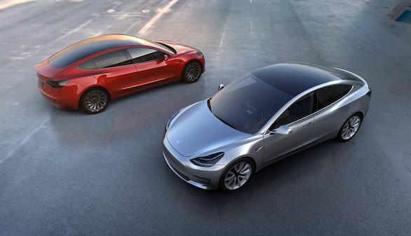 Tesla aspira a abrir el vehículo eléctrico al mercado de masas