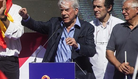 Mario Vargas Llosa, galardonado con el Premio Don Quijote de Periodismo