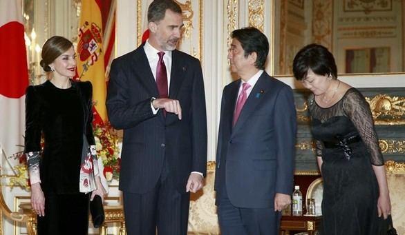 Los Reyes se reúnen con el primer ministro japonés, Shinzo Abe