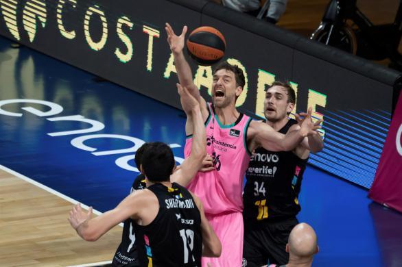 ACB Playoffs. Un gran Pau Gasol no basta y el Tenerife fuerza el tercer partido