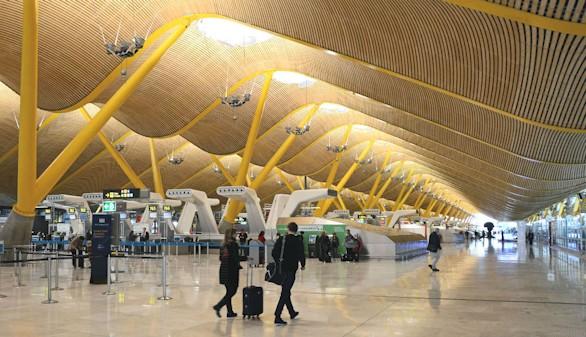 Gas Natural Fenosa se adjudica el suministro de electricidad del aeropuerto de Madrid-Barajas