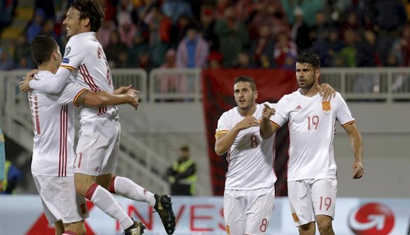 España encuentra a tiempo el gol en Albania |0-2