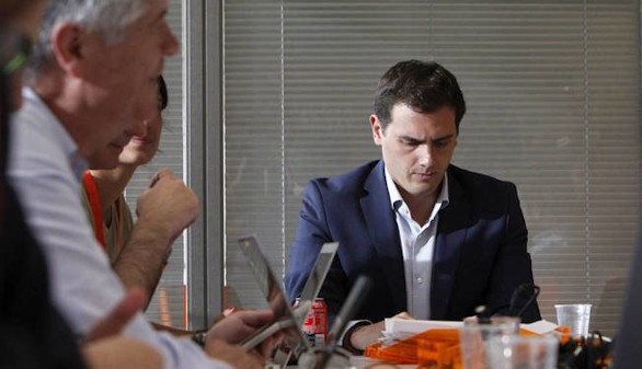 Rivera pedirá a Rajoy una mesa a tres con PP, PSOE y Ciudadanos