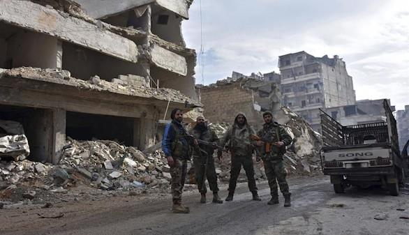 Rusia halla fosas comunes en Alepo con decenas de sirios que sufrieron torturas salvajes