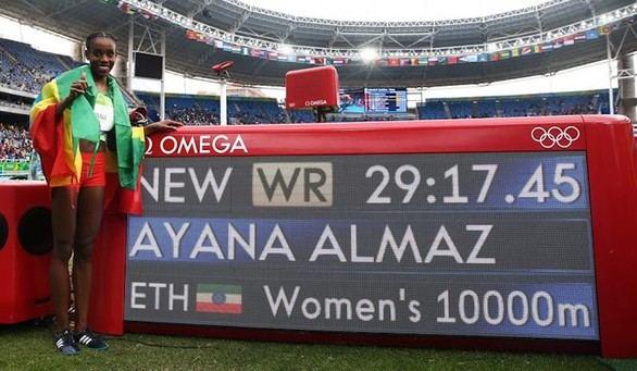 La etiope Ayana gana el 10.000 pulverizando un récord del mundo histórico