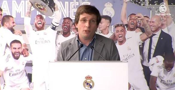 La pulla de Almeida a Ramos que ha desatado las risas en la celebración del Real Madrid