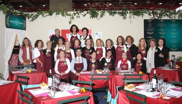"""Almuerzos solidarios en """"El Rincón del Gourmet"""""""
