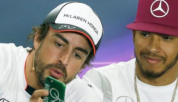 Un mecánico de McLaren confirma que querían que Hamilton ganara en 2007, y no Alonso
