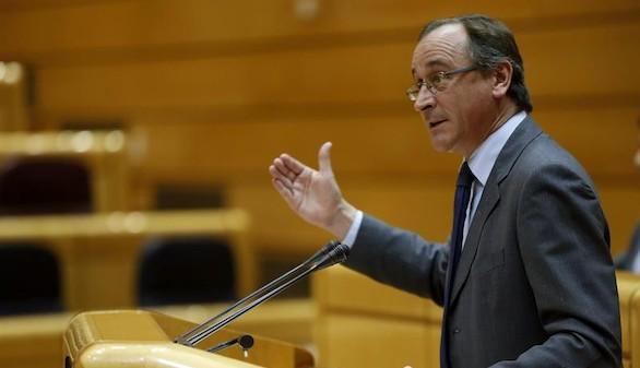 Alonso dice que los médicos y los jueces tienen 'la palabra' sobre la niña gallega