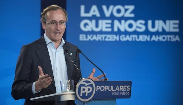 Alonso pide a Aznar que 'confíe' en las políticas económicas de Mariano Rajoy