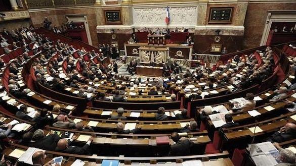 Buscan pruebas del escándalo Fillon en la Asamblea Nacional
