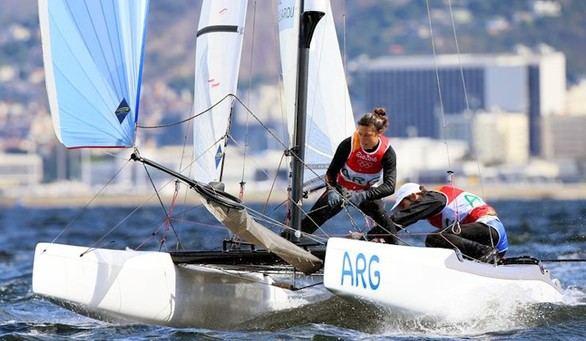 Los argentinos Santiago Lange y Cecilia Carranza, oro en la clase mixta