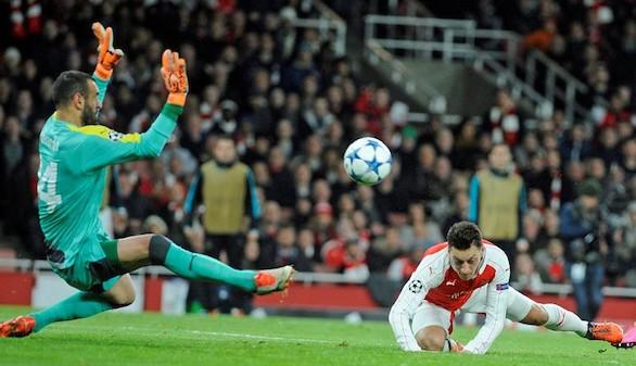 El Arsenal golea al Dinamo Zagreb y se jugará la clasificación en Atenas |3-0