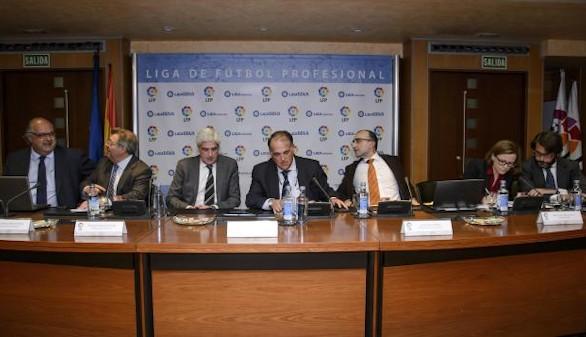 La LFP reprueba a Villar en busca de un acuerdo por los derechos televisivos