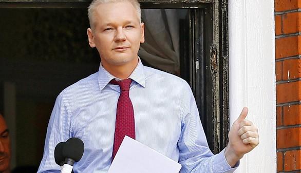 Francia deniega el asilo a Julian Assange