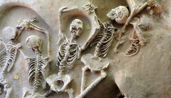 Atenas descubre otra huella de su historia: una fosa común del siglo VII a.C.