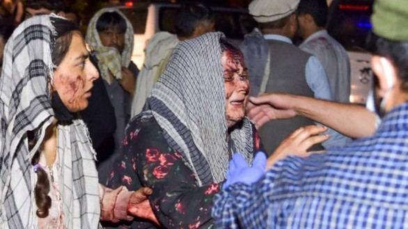 El atentado suicida en el aeropuerto de Kabul deja al menos 170 muertos