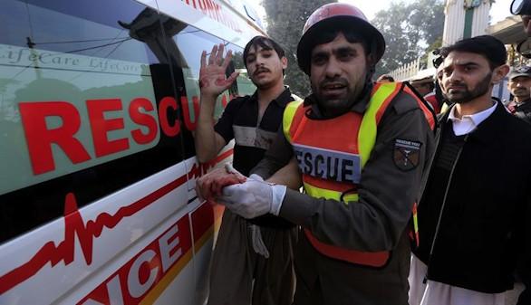 Al menos 14 muertos en una universidad pakistaní, tras un ataque talibán