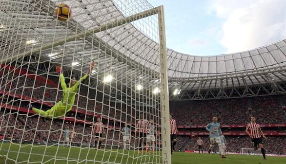 El Athletic arrebata la séptima plaza al Eibar en un intenso derbi |3-1