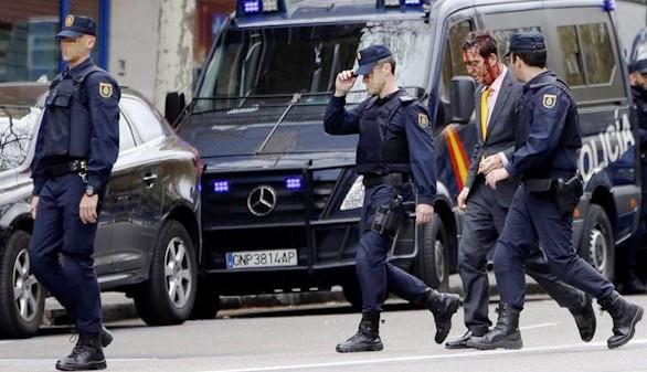 Un herido al sorprender a dos ladrones en un piso de Madrid