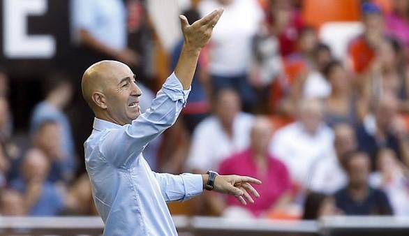 El Valencia destituye a Pako Ayestarán como entrenador