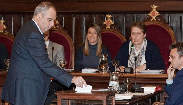 El Ayuntamiento de Girona, contra la Monarquía