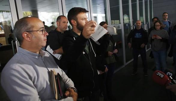 El Ayuntamiento de Badalona desobedece al juez y abre sus puertas