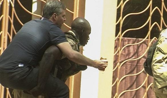 En buen estado el español que se encontraba entre los rehenes del hotel de Mali