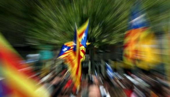 Anulado el uso exclusivo del catalán en el sector público