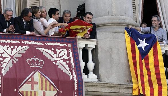 Guerra de banderas en el penúltimo día de campaña de las elecciones catalanas